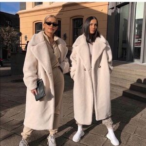 Oversized Cream Faux Fur Teddy Coat size 14 H&M